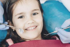 la importancia de los dientes de leche contada por nuestro expertos en odontopediatría en Avilés de la Clínica Suárez Solís