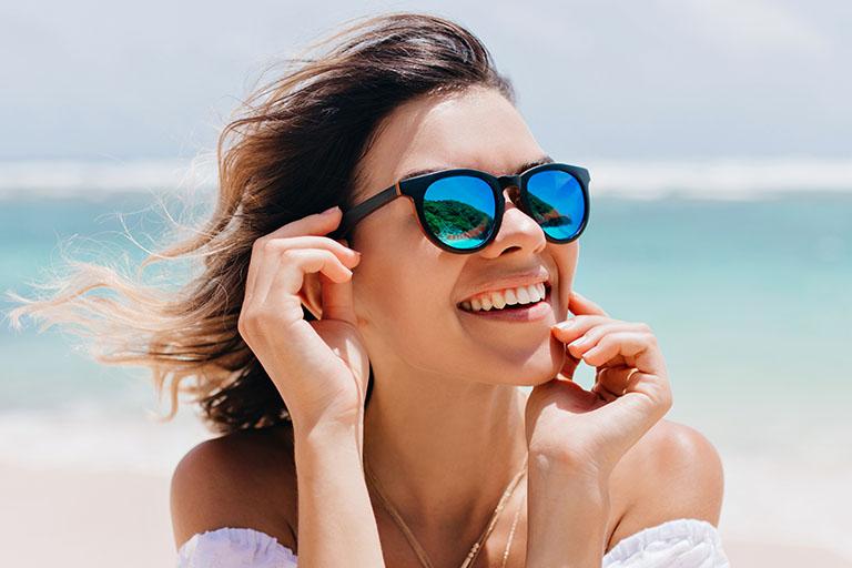 Clínica dental suarez solís. En verano nos solemos olvidar de nuestra salud bucodental. Te damos 6 consejos para cuidar tu boca en verano
